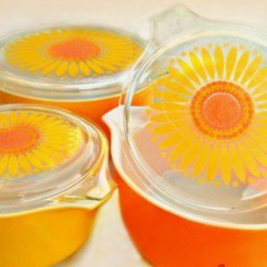 PYREX Daisy Dishes and Lids 1968 - 1973
